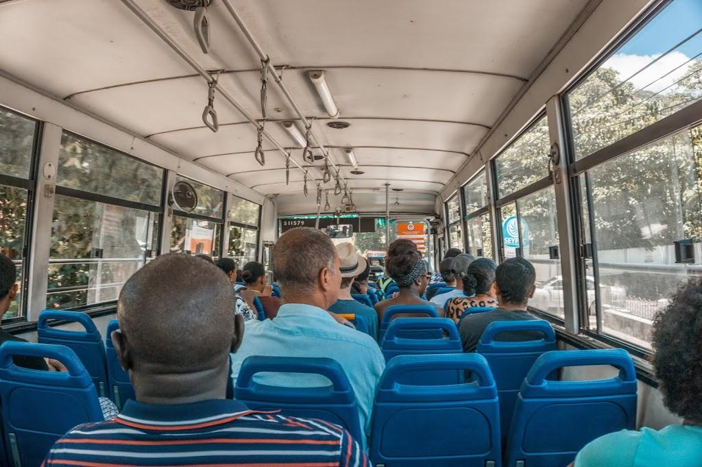 Komunikacja miejska na Seszelach, transport publiczny na Seszelach