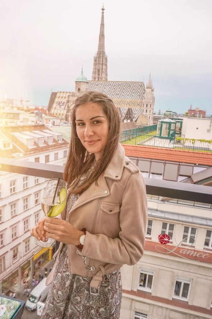 Zwiedzanie Wiednia bez pośpiechu bar na dachu