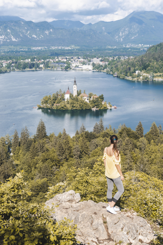 Punkt widokowy nad jeziorem Bled Słowenia